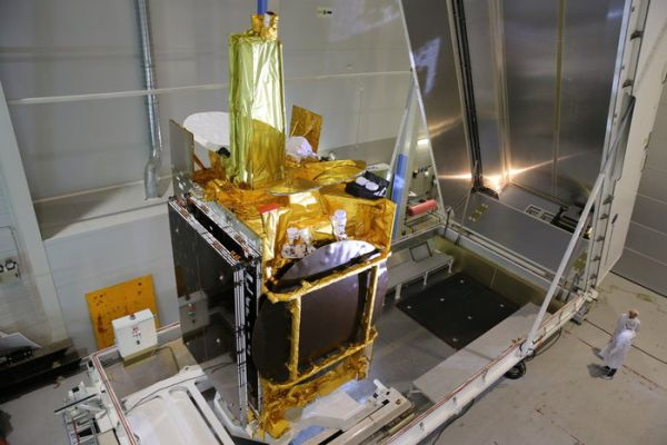 LASER-EQUIPPED SATELLITE TO INAUGURATE EUROPEAN DATA RELAY SYSTEM