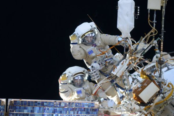 COSMONAUTS PERFORM SPACEWALK WEDNESDAY MORNING: WATCH IT LIVE