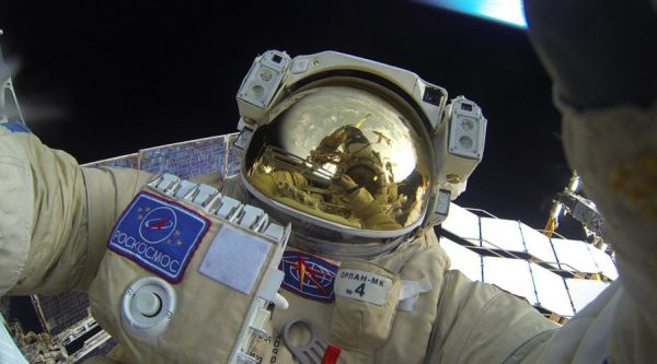 RUSSIAN COSMONAUT FINDS TIME FOR SELFIE WHILE ON SPACEWALK