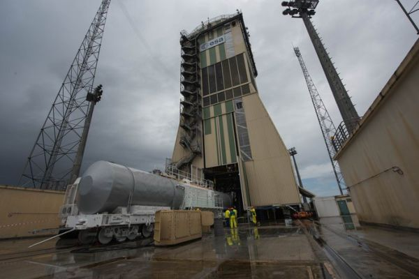 BAD WEATHER DELAYS SOYUZ LAUNCH FROM FRENCH GUIANA TO SUNDAY