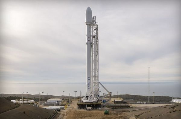 SPACEX WINS ITS FIRST SATELLITE LAUNCH FOR THE US AIR FORCE