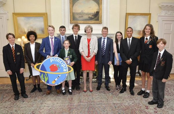 UK ASTRONAUT TIM PEAKE, KG5BVI/GB1SS, HEADS HAM CONTINGENT TO 10 DOWNING STREET