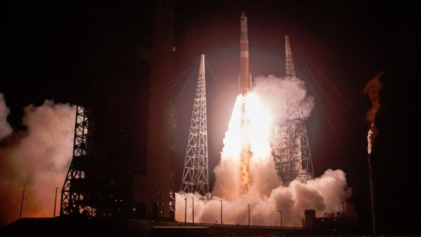 DELTA 4 SUCCESSFULLY SOARS TO THE HIGH GROUND TO DEPLOY TWO PATROL SATELLITES