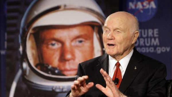 JOHN GLENN, 1ST AMERICAN TO ORBIT EARTH, DIES AT 95