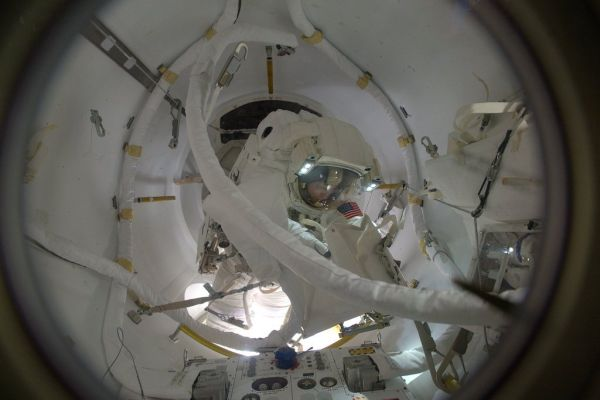 SPACEWALKERS CONTINUE SPACE STATION BATTERY REFRESH WITH SUCCESSFUL EVA