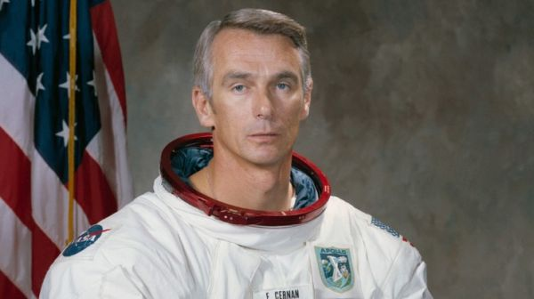 EUGENE CERNAN, LAST MAN ON THE MOON, DIES