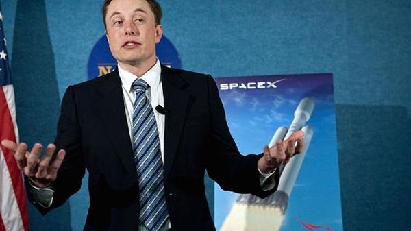 ELON MUSK'S SPACEX HAS LANDED A $96.5 MILLION CONTRACT TO LAUNCH A MILITARY SATELLITE
