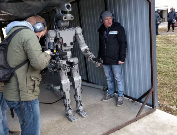 NO, RUSSIA ISN'T SENDING A TERMINATOR ROBOT TO THE SPACE STATION