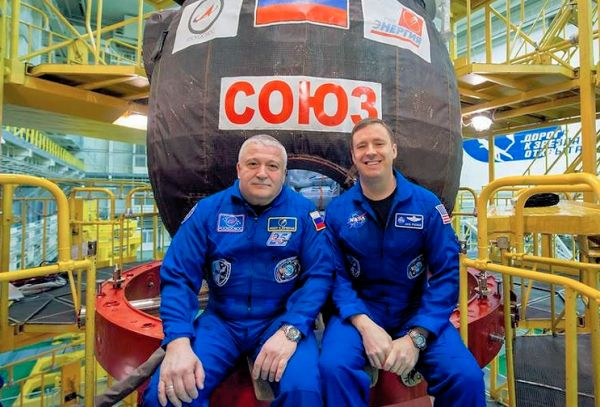 HAM ASTRONAUTS SWAP PLACES ON INTERNATIONAL SPACE STATION
