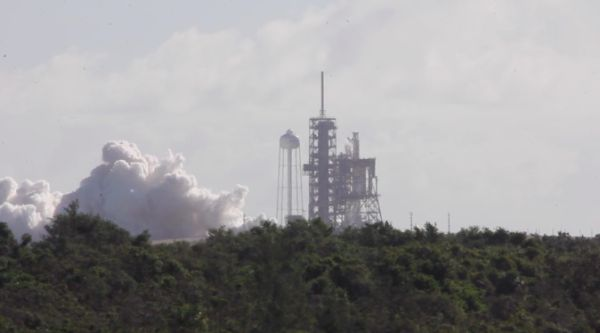 SPACEX PERFORMS STATIC FIRE, PREPS FOR MONDAY LAUNCH FROM FLORIDA