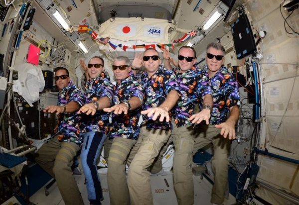 ASTRONAUTS CELEBRATE AUTUMN EQUINOX 2017 WITH ONE LAST ALOHA FRIDAY