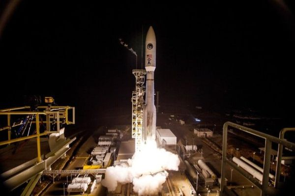 SECRET SPY SATELLITE LAUNCHES ATOP ATLAS V ROCKET