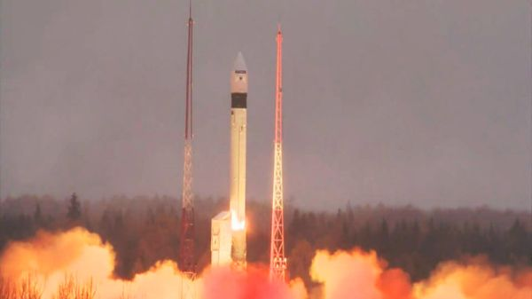 MODIFIED RUSSIAN MISSILE BOOSTS EUROPE'S NEWEST ENVIRONMENTAL SENTINEL TO SPACE
