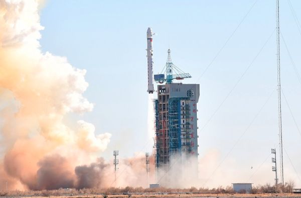 LONG MARCH 2D SENDS YAOGAN WEIXING 31 SATELLITE ALOFT