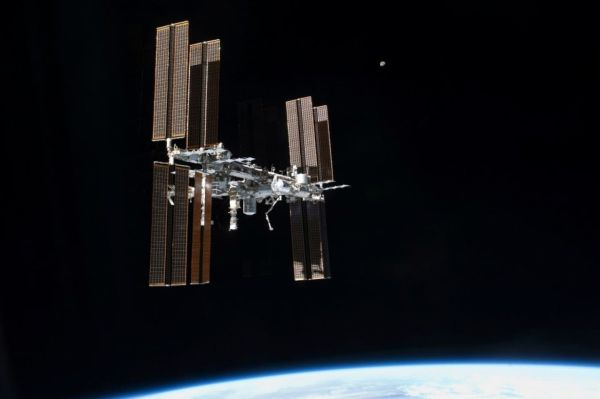 THE INTERNATIONAL SPACE STATION IS SUPER GERMY