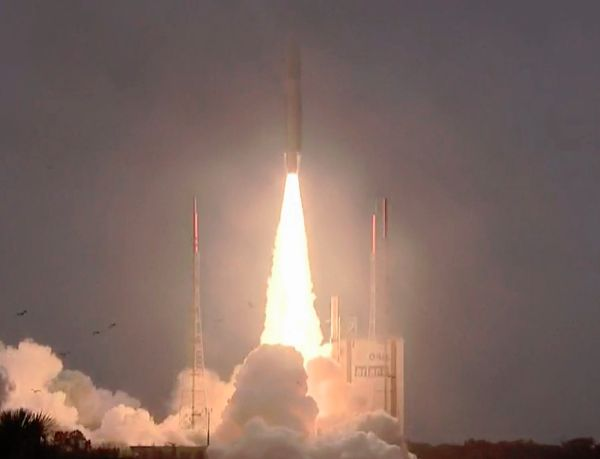 Ariane 5 Rocket Launches 4 More Satellites for Europe's GPS Network
