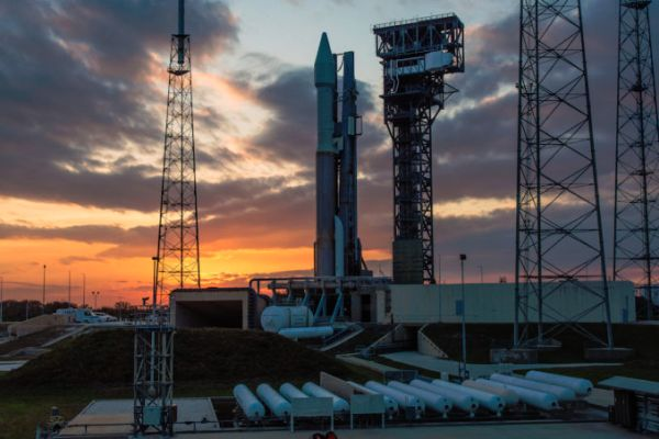 ATLAS 5 TEAM SCRUBS LAUNCH TO STUDY TROUBLESOME VALVE