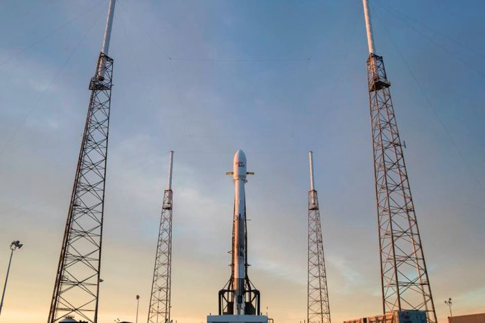 SPACEX POSTPONES FALCON 9 LAUNCH OVER PAYLOAD FAIRING CONCERNS