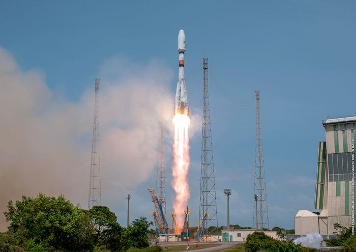 Four O3b satellites launched to beam Internet to developing world