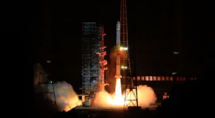 LONG MARCH 3A ROCKET LAUNCHES FENGYUN-2H METEOROLOGICAL SATELLITE
