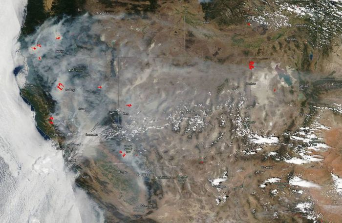 WILDFIRE SMOKE BLANKETS CALIFORNIA IN SATELLITE PHOTO