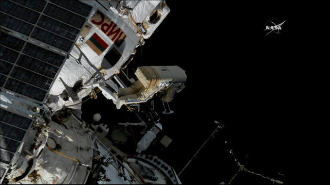 SPACEWALKERS TOSS NANOSATELLITES INTO ORBIT, HOOK UP BIRD MIGRATION MONITOR