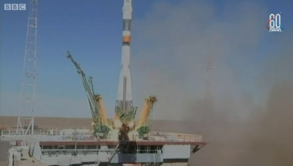 ASTRONAUTS ESCAPE MALFUNCTIONING SOYUZ ROCKET