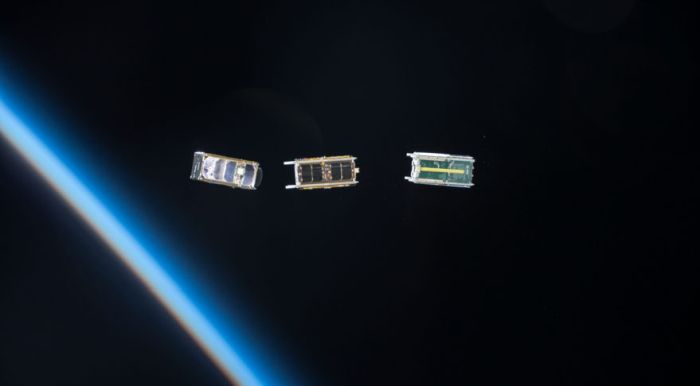 GOVERNMENT INERTIA A PROBLEM FOR SMALL SATELLITE INDUSTRY
