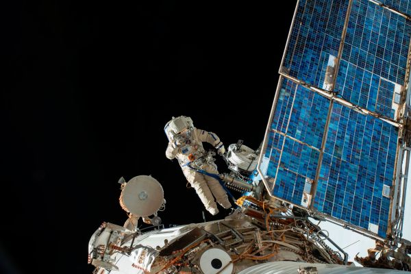 RUSSIANS PREPARE FOR SPACEWALK, AIMING TO SOLVE A SPACE STATION MYSTERY