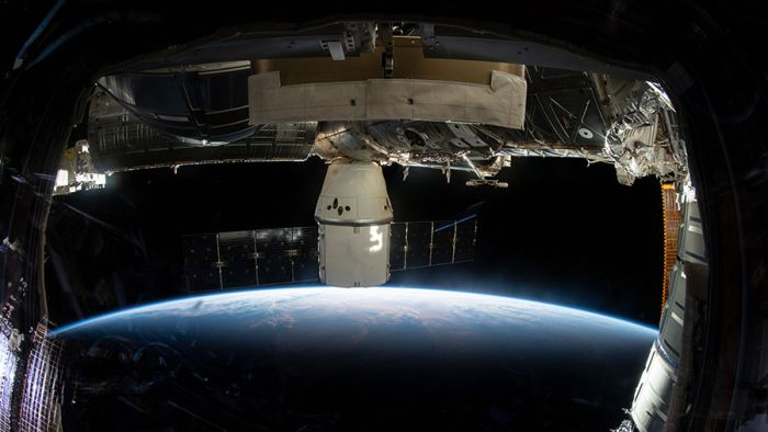DRAGON DEPARTING STATION NEXT WEEK; CREW STUDIES BIOLOGY