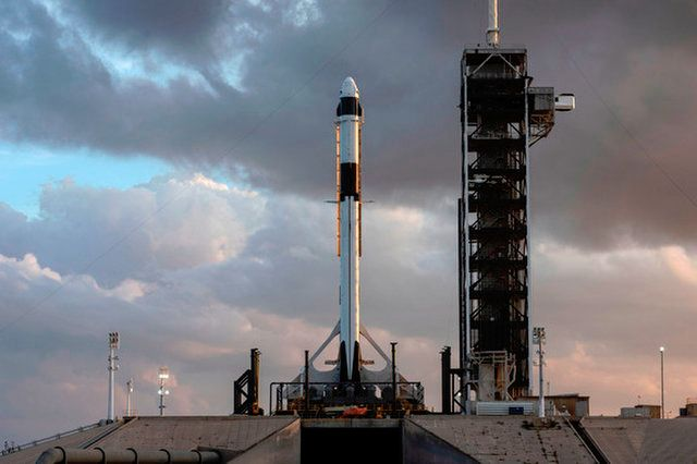 SPACEX, NASA PUSH 1ST CREW DRAGON TEST FLIGHT TO FEBRUARY