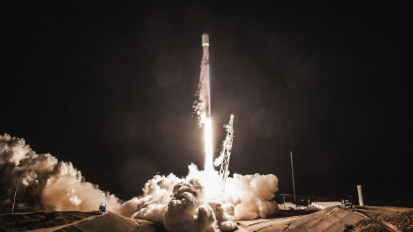 SPACEX WANTS TO BUILD UP TO 1 MILLION EARTH SATELLITE INTERNET CONNECTIONS