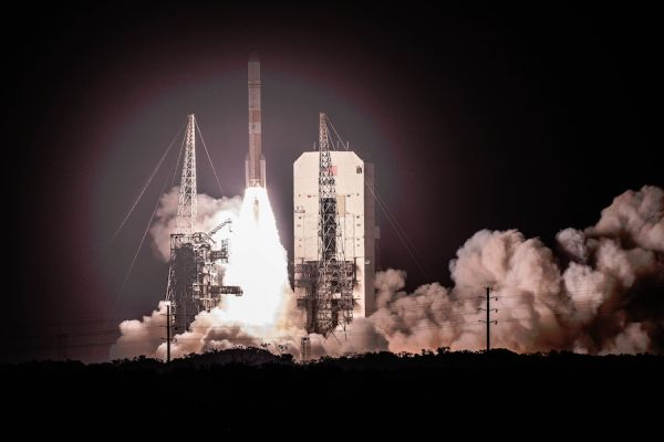 US AIR FORCE LAUNCHES ADVANCED MILITARY COMMUNICATION SATELLITE