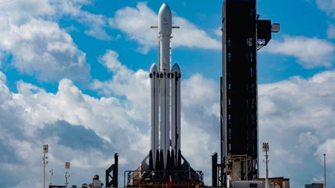 SpaceX just delayed the Falcon Heavy rocket's first commercial mission to Thursday