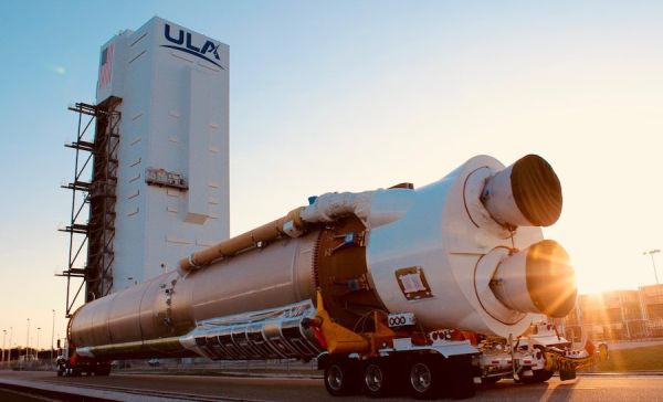 ULA BEGINS STACKING ATLAS 5 ROCKET FOR LATE JUNE LAUNCH