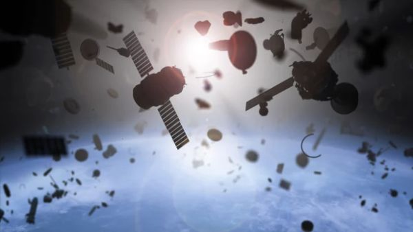DANGLING TAPE COULD BE USED TO DE-ORBIT OLD SATELLITES
