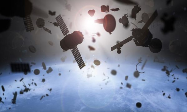 SATELLITES EQUIPPED WITH A TETHER WOULD BE ABLE TO DE-ORBIT THEMSELVES AT THE END OF THEIR LIFE