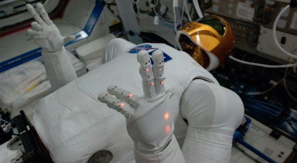 ROBONAUT TO RETURN TO ISS