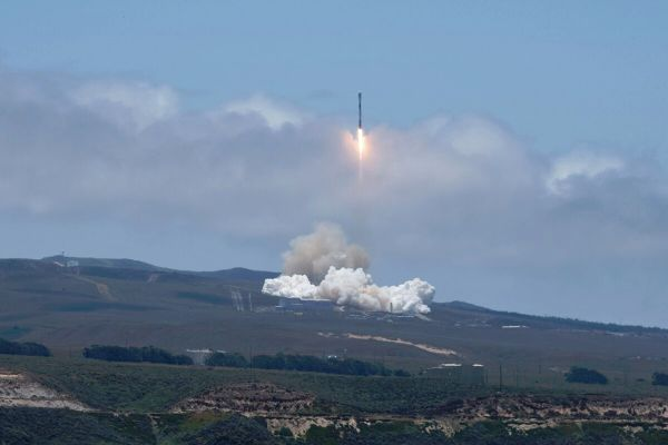 AIR FORCE AWARDS IRIDIUM $738M DEAL FOR SATELLITE SERVICES