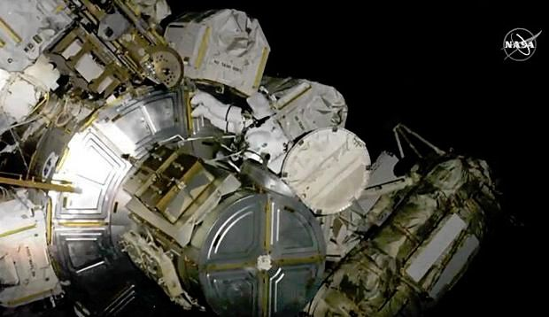 SPACE STATION CREW STAGES FIRST OF 5 BATTERY SWAP SPACEWALKS