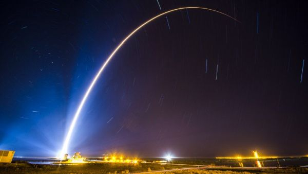 THE PENTAGON WANTS TO LAUNCH SATELLITE CONSTELLATIONS TO TRACK MISSILES