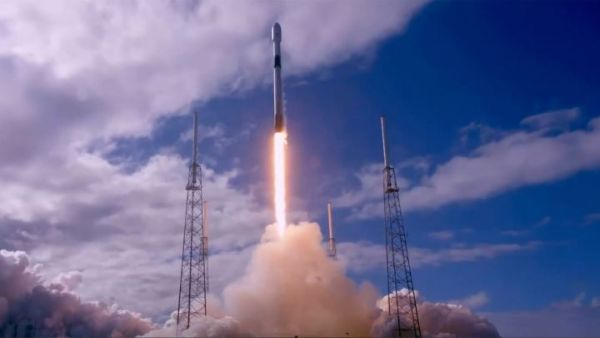 SPACEX SUCCESSFULLY LAUNCHES FALCON 9 ROCKET WITH 60 SATELLITES ON BOARD