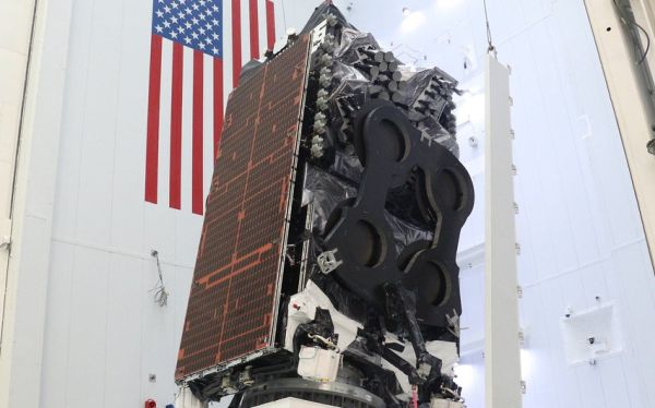 BROADBAND SATELLITE TO SERVE PACIFIC ISLANDS DELIVERED TO FLORIDA LAUNCH BASE