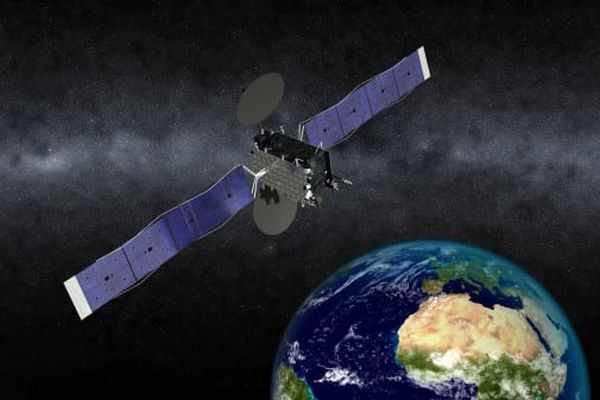 EUTELSAT CONFIRMS SOLAR RAY LOST ON EUTELSAT 5 WEST B