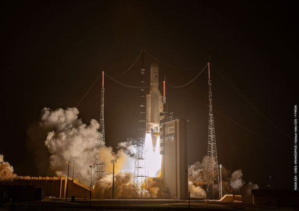 ARIANE 5 DEPLOYS COMMUNICATIONS AND ENVIRONMENTAL MONITORING SATELLITES