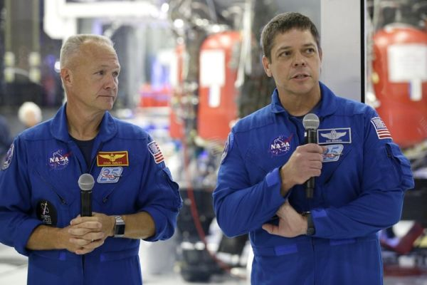 NASA, SPACEX PICK MAY 27 TO RESUME ASTRONAUT LAUNCHES IN US
