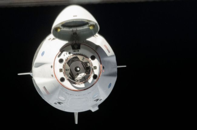 SPACEX'S 1ST CREW DRAGON FOR ASTRONAUTS ACES TESTS IN SPACE, COULD LAND AUG. 2