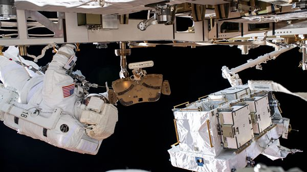 NASA TV GOES LIVE WEDNESDAY TO BROADCAST SPACEWALK
