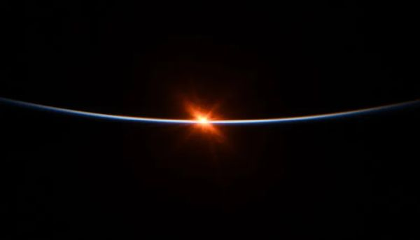 STUNNING PICTURES: NASA ASTRONAUT SHARES 'FIRST MOMENTS' OF SUNRISE FROM SPACE