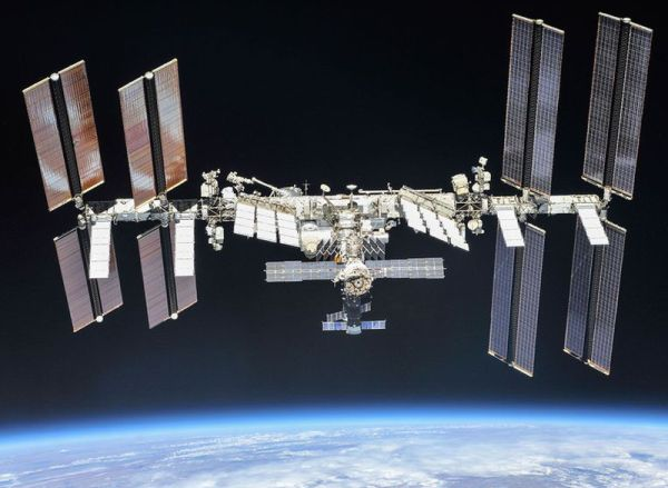 HOW COLD WAR POLITICS SHAPED THE INTERNATIONAL SPACE STATION